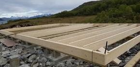 Ankomst av hytta og montering Bjelkelag